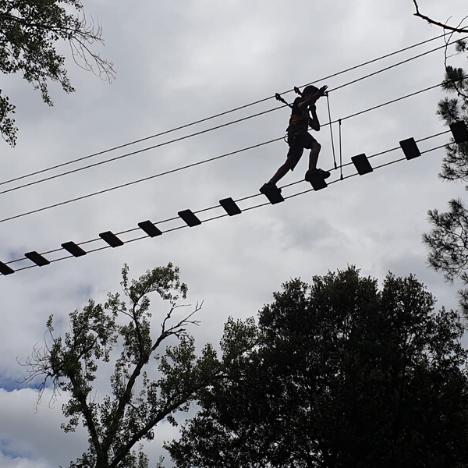 puente colgante alceda aventura parque de aventura